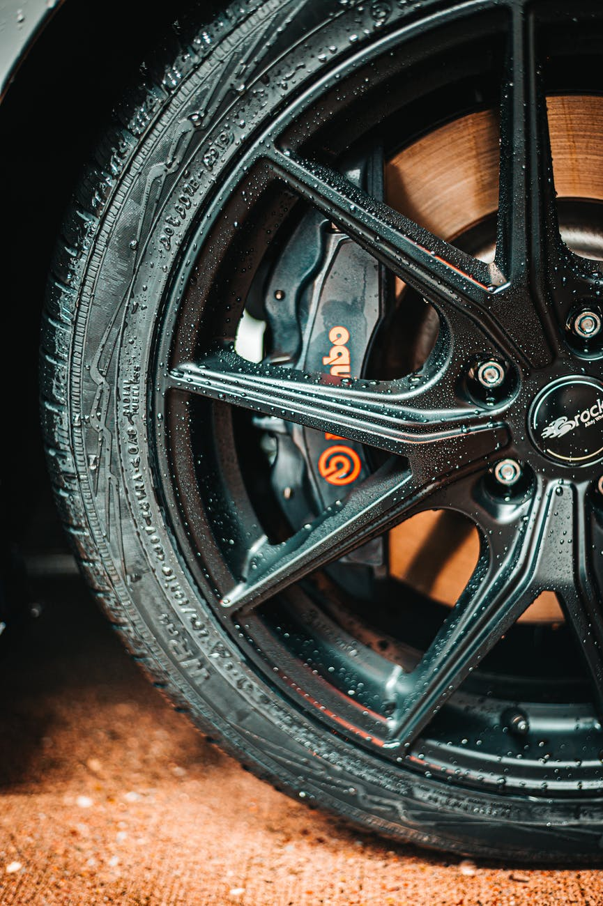 black multi spoke auto wheel